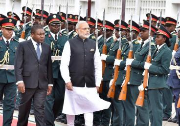 State Visit of Prime Minister Shri Narendra Modi on 07 July 2016: Inspection of Guard of Honour at President's Office, Maputo
