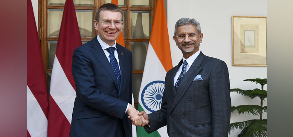 External Affairs Minister meets Edgars Rinkevics, Minister of Foreign Affairs of Latvia at Hyderabad House, New Delhi[ph]Photo Courtesy:Photo Division [/ph]