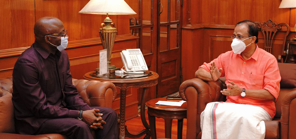 Minister of State for External Affairs meets Maj. Gen (Retd). Chris Sunday Eze, High Commissioner of Nigeria in New Delhi