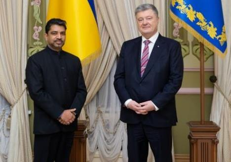 The President of Ukraine Mr Petro Poroshenko received credentials from the H.E Shri Partha Satpathy, Ambassador of India in Ukraine on 27 December 2018